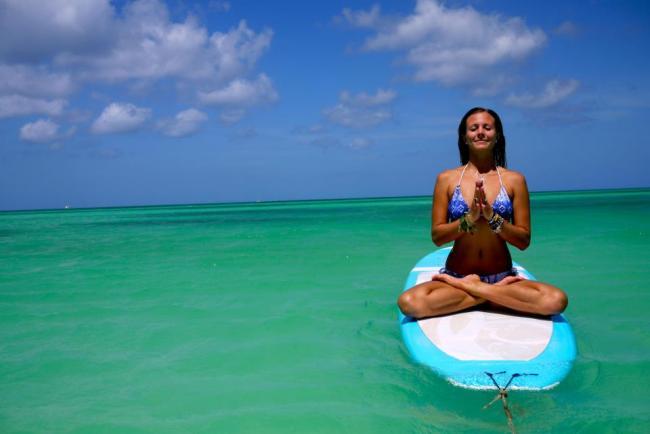 Yoga babe Rachel Brathen